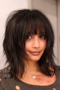 36 Chic Medium Length Layered Haircuts For A Trendy Look My