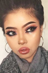 There is a trick how to make it work: besides using darker eyeliner like blue or black, use some contrasting pearl or white eyeliner in the waterline below.