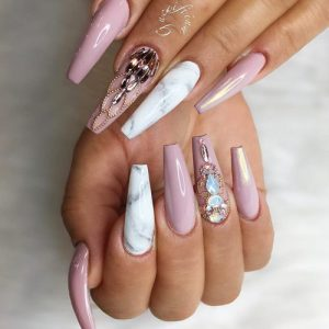 A Coffin Nail Shape For Long Nails Is Ruling The Industry Nowadays You Can See This Almost On Everyone With