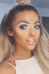 4dbdff950d3 21 COACHELLA MAKEUP INSPIRED LOOKS TO BE THE REAL HIT – My Stylish Zoo