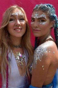 b570d7362ac Do you wonder how to do festival make up so that you turn heads at  Coachella? Try incorporating sparkly jewelry into your makeup look.