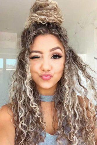 21 Amazing Styles That You Can Do With Your Long Curly Hair My