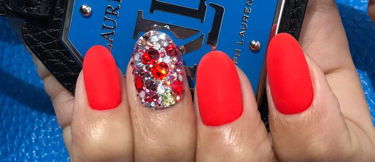 """30 CHIC RED NAIL DESIGNS TO SAY """"I'M HOT"""""""