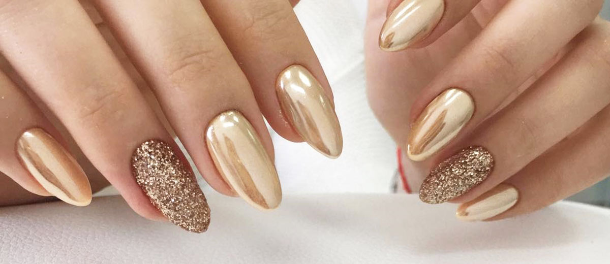 - ALL THAT GLITTERS: 27 GOLD NAILS DESIGNS TO TRY – My Stylish Zoo
