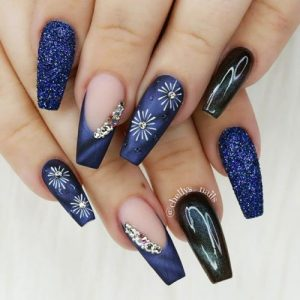 24 Acrylic Nails Ideas That You Cant Pass By My Stylish Zoo