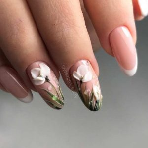 30 Graduation Nails Designs To Recreate For Your Big Day My