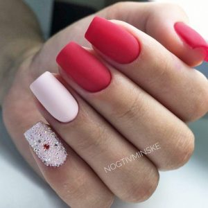 """30 chic red nail designs to say """"i'm hot""""  my stylish zoo"""