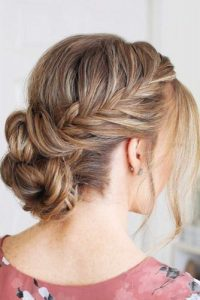 36 Amazing Graduation Hairstyles For Your Special Day My Stylish Zoo