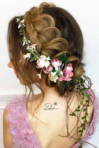 15 romantic braided hairstyles for valentines day my stylish zoo this type of hairstyle super complicated no matter how many times pro stylists swear you can totally do it yourself crown braid adds texture to solutioingenieria Gallery