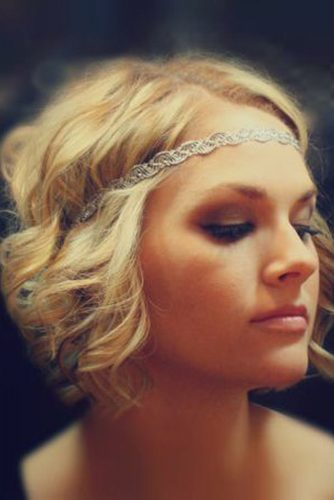 Cute hairstyles for short hair include braids, curls, wavy hair. The latest trend is a combination of curly hair and braids. In case you are planning to ...