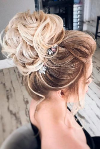 15 Perfect Prom Hairstyles Down To Make You The Queen Of The Ball My Stylish Zoo