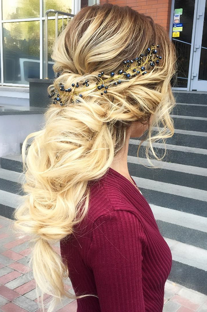 30 Overwhelming Boho Wedding Hairstyles My Stylish Zoo