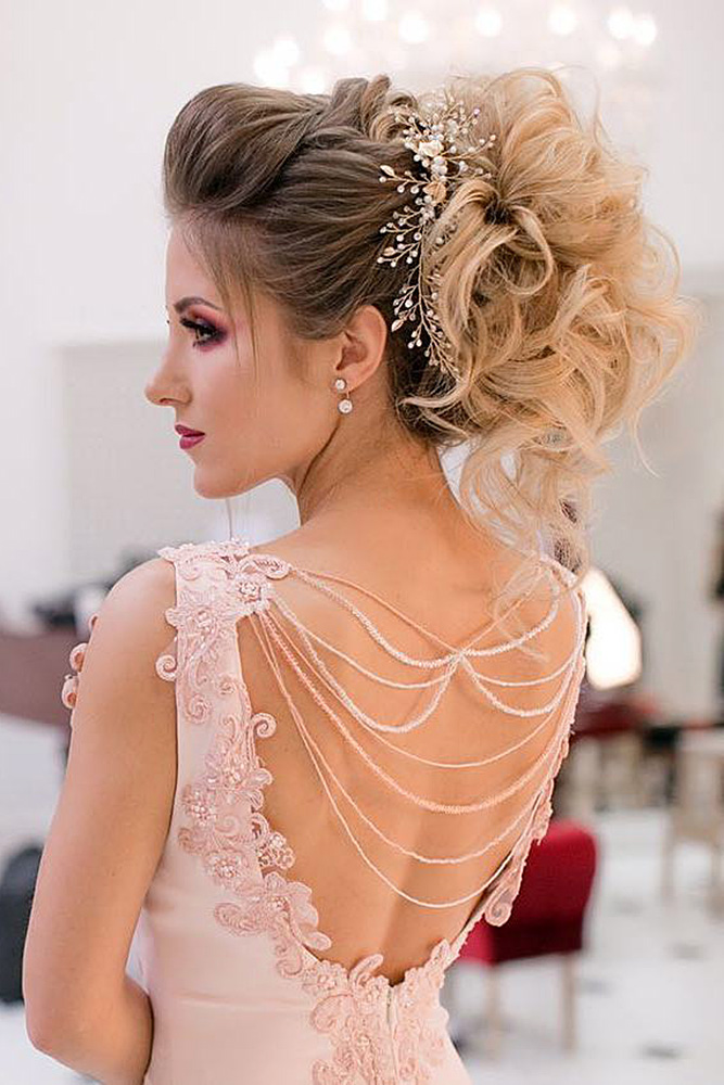 30 oh so perfect curly wedding hairstyles my stylish zoo photo 13 18 long curly wedding hairstyles junglespirit Image collections