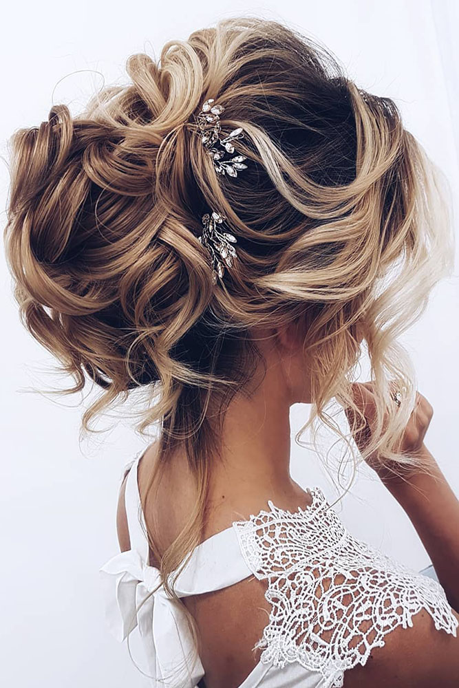 30 OH SO PERFECT CURLY WEDDING HAIRSTYLES - My Stylish Zoo