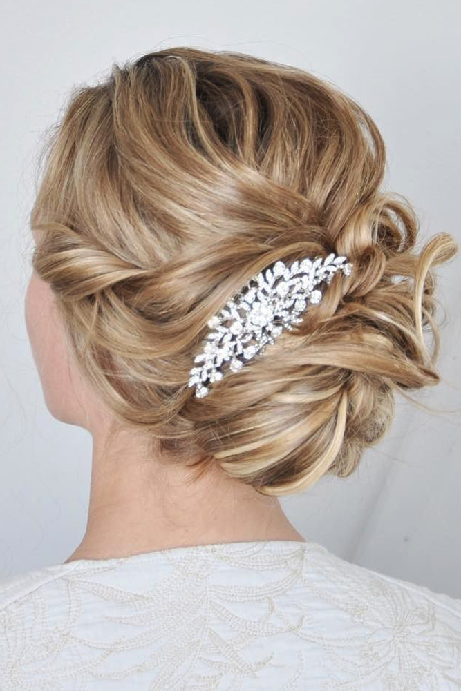 Photo 22 24 Romantic Bohemian Wedding Hairstyle With Flowers
