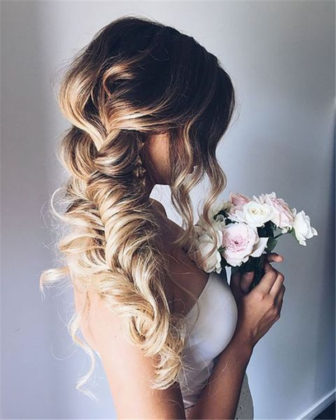 25 Attractive Wedding Hairstyles for Long Hair