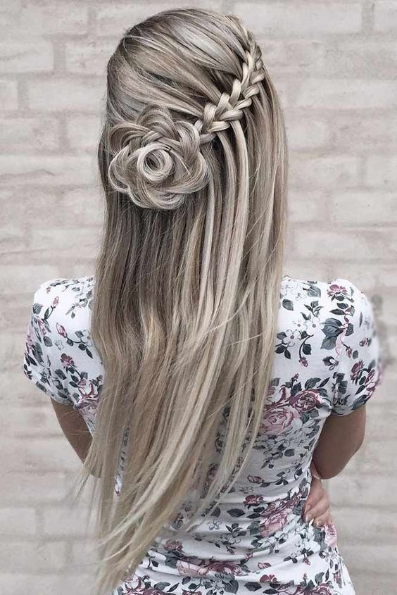25 Half Up Half Down Women Hairstyles