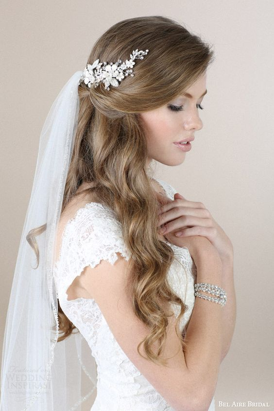 21+ Breath-taking Wedding Hair Accessories to Embrace
