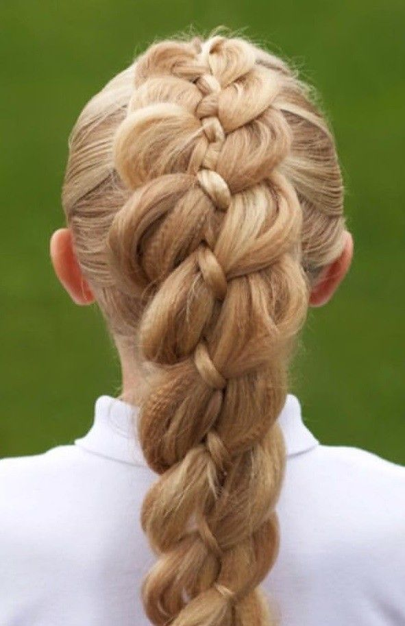 Top 25 Best Eye-Popping Dutch Braid Hairstyles For Women 2020
