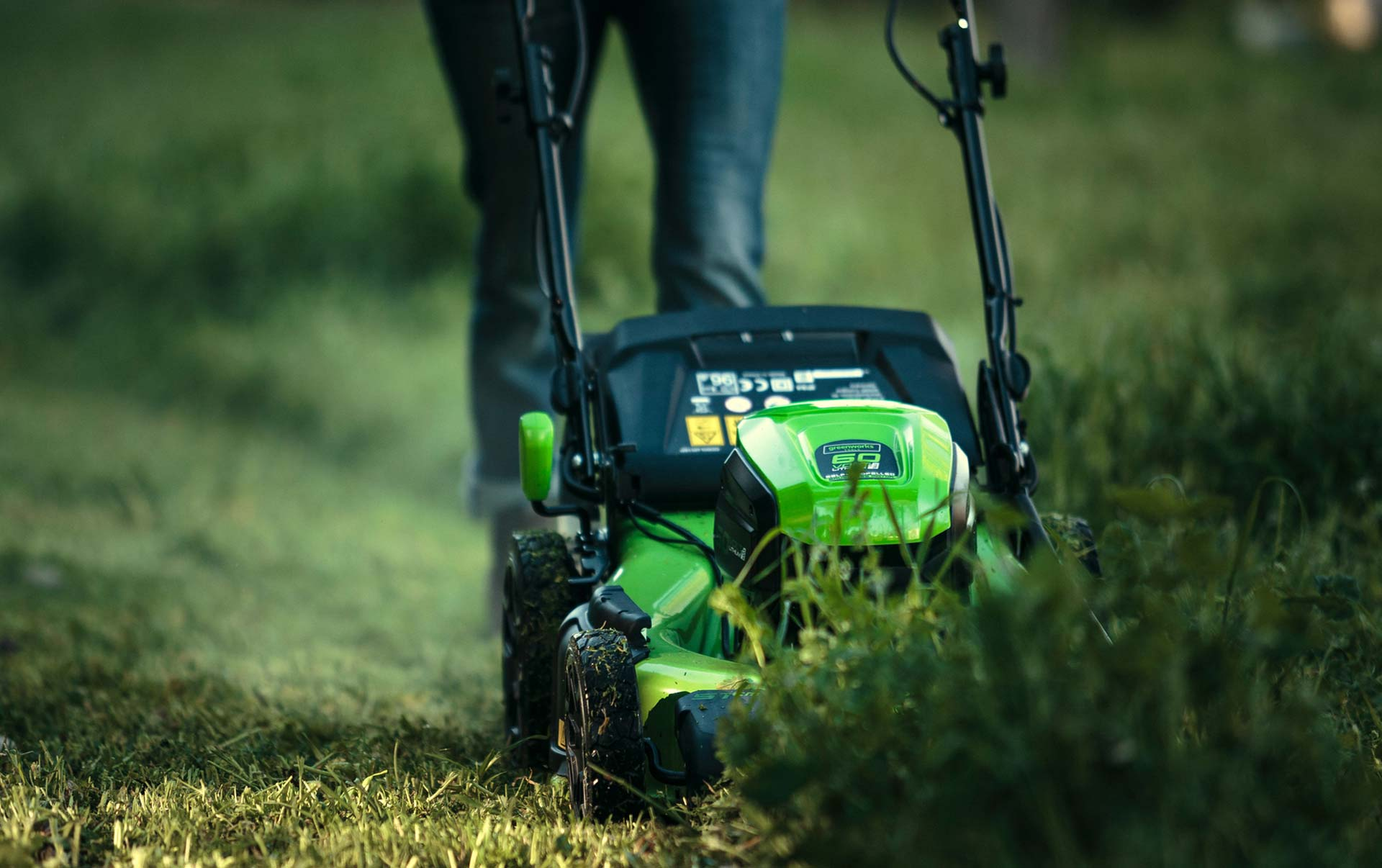 The 12 Best Lawn Mowers 2020 Reviews and Buyers Guides