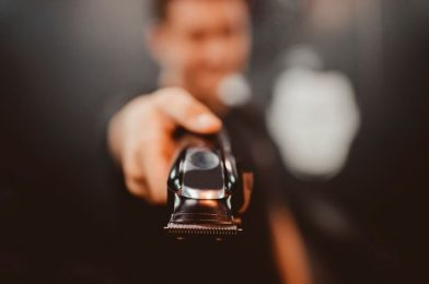 How to Choose the Best Hair Clippers For Self-Cut